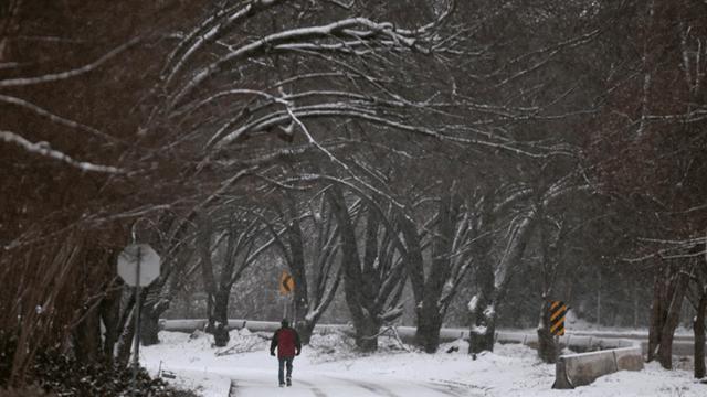 Heaviest snowfall in decades in Texas