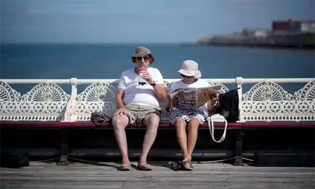 warm weather advice for elderly