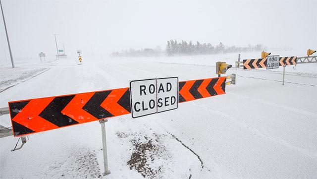Severe Manitoba Snowstorm Snaps Trees, Closes Schools, & Shuts Highways